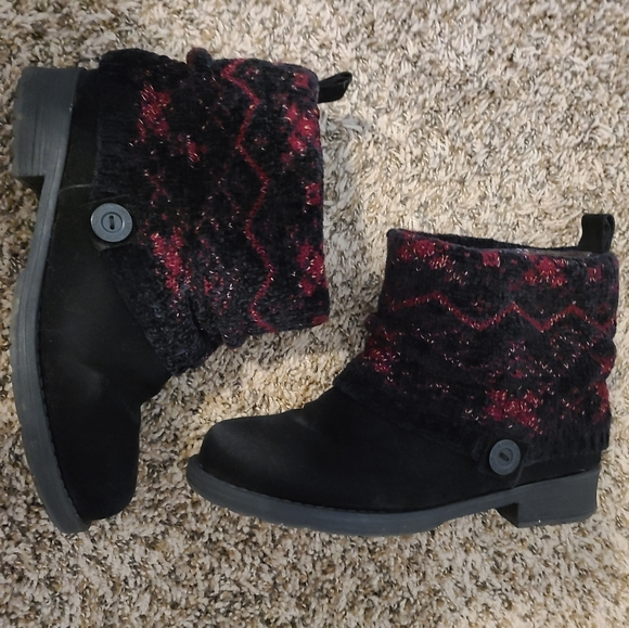 Muk Luks Patrice boots size 8